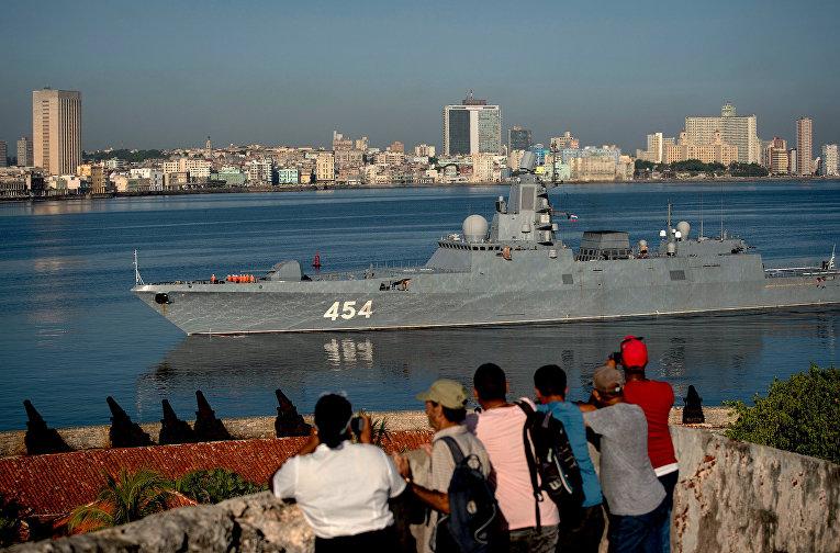 """Фрегат ВМФ России """"Адмирал Горшков"""" прибывает в порт Гавана, Куба"""