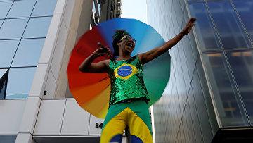 Участник гей-парада в Сан-Паулу, Бразилия
