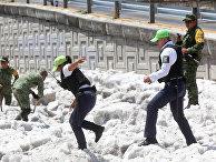 Последствия сильного града в в Гвадалахаре, Мексика