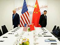 Президент США Дональд Трамп и председатель КНР Си Цзиньпин во время саммита лидеров G20 в Осаке, Япония
