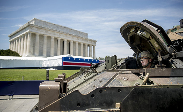 Военная техника готовится к участию в параде в Вашингтоне