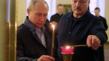 Президенты РФ и Белоруссии В. Путин и А. Лукашенко посетили Коневский Рождество-Богородичный монастырь