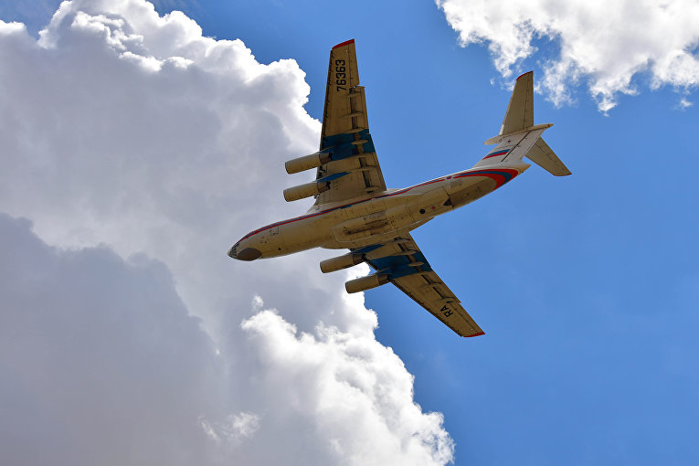 Российский самолет с оборудованием для С-400 на борту направляется в Турцию