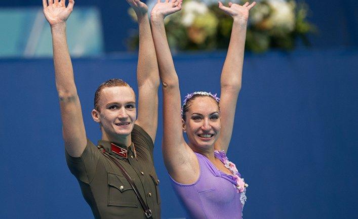 Дарина Валитова и Александр Мальцев после выступления на чемпионате мира в Казани