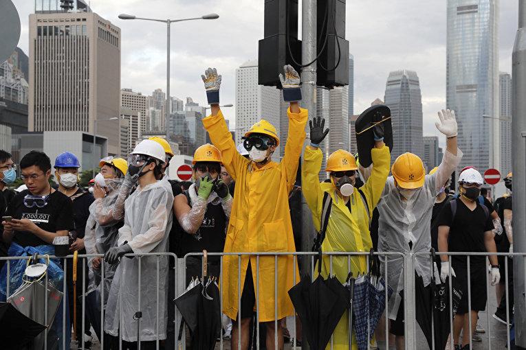 Протестующие в Гонконге