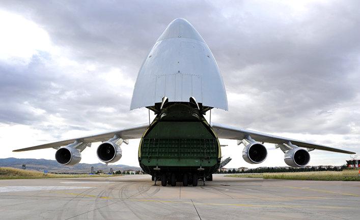 Самолет доставил С-400 в Турцию