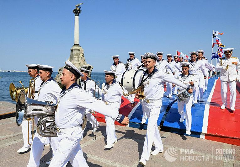 Празднование Дня ВМФ в регионах России