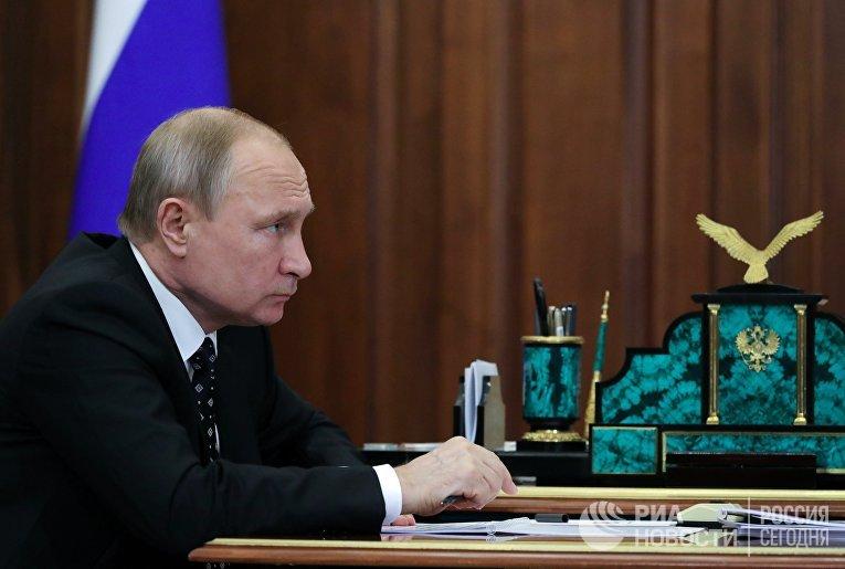 Президент РФ В. Путин встретился с врио губернатора Астраханской области И. Бабушкиным