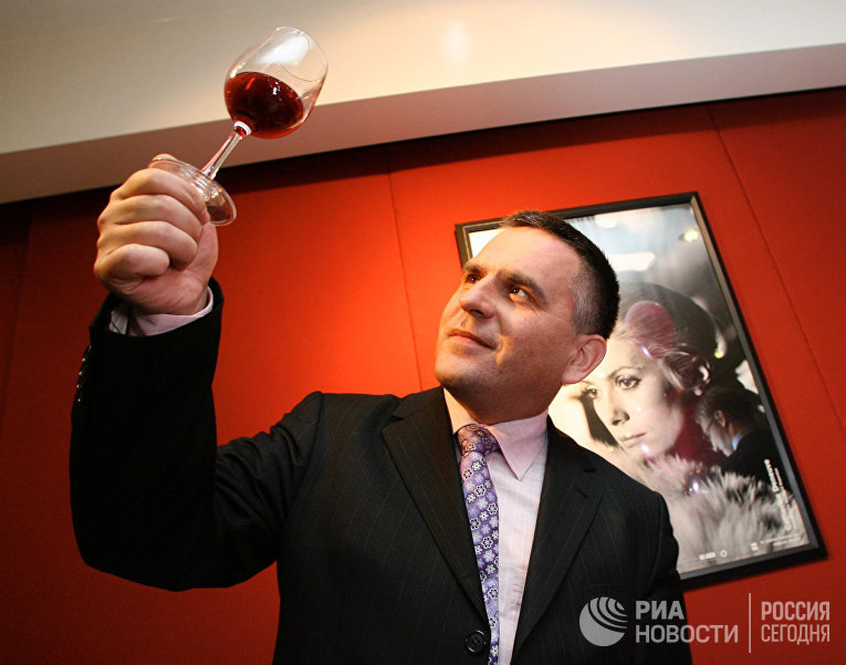 """Праздник """"Beaujolais Nouveau""""  в посольстве Франции в Москве"""