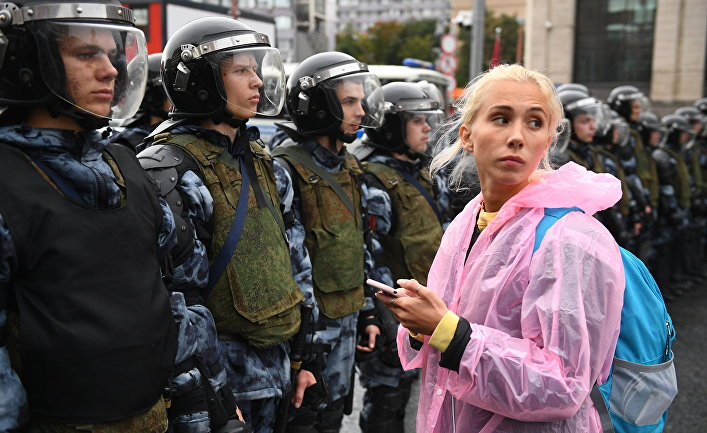 Видовдан (Сербия): Запад со слезами следит за московскими протестами
