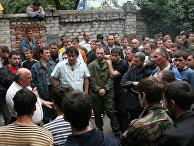 Во Владикавказе проходит запись добровольцев в народное ополчение