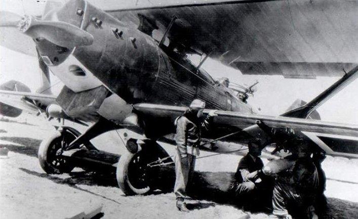 Турецкая женщина-пилот Сабихаа Гёкчен