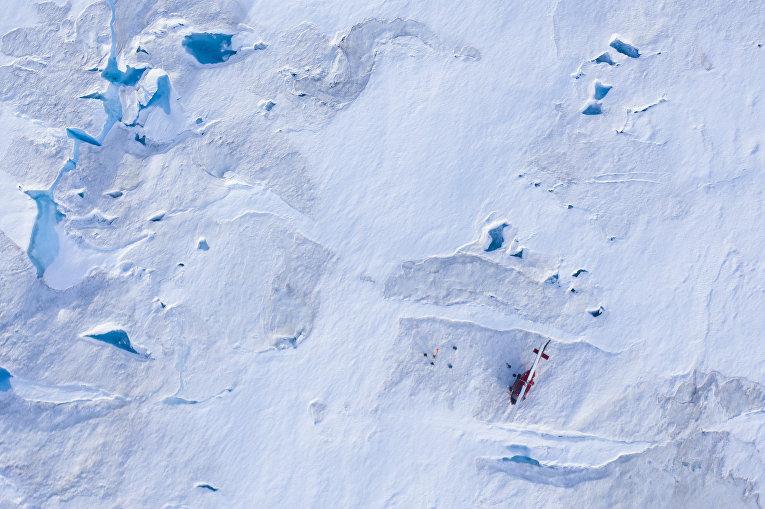 Вертолет ученых из Нью-Йоркского университета, Гренландия