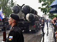 """Транспортно-пусковые установки зенитного ракетного комплекса С-400 """"Триумф"""" во время военного парада"""
