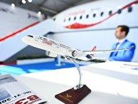 Макет российско-китайского широкофюзеляжного самолёта CR929