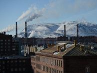 Жилые дома и промышленные предприятия в Норильске