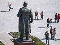 Памятник В. И. Ленину на ВДНХ в Москве