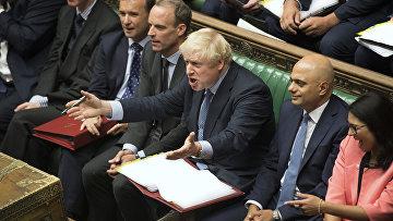 Премьер-министр Великобритании Борис Джонсон во время еженедельных дебатов в парламенте