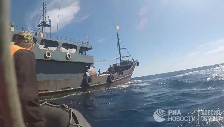 ФСБ РФ задержала браконьеров из КНДР в Японском море