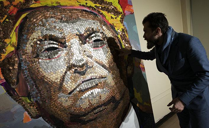 Украинский художник сделал портрет Дональда Трампа из американских монет