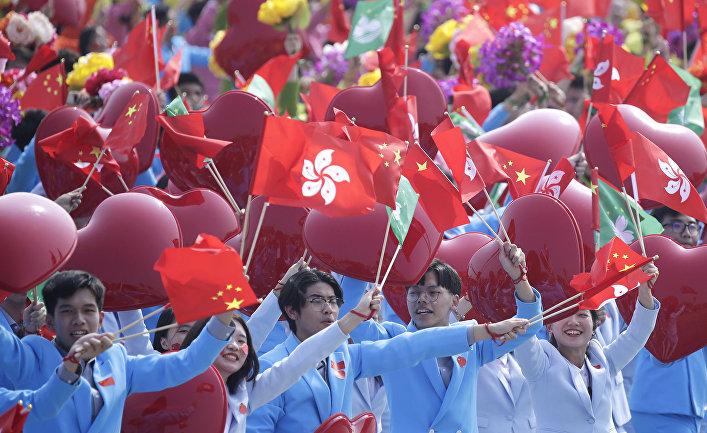 Участники парада в Пекине в честь 70-й годовщины образования КНР в Пекине