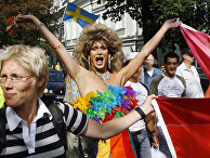 Участники гей-парада в Таллине, Эстония