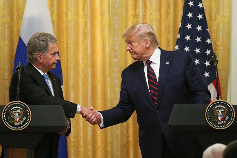 Президент США Дональд Трамп и президент Финляндии Саули Ниинистё во время встречи в Вашингтоне