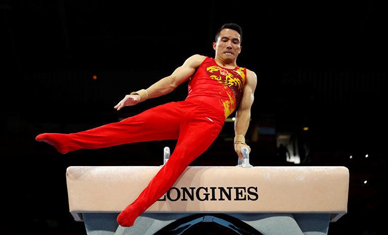 Выступление китайского гимнаста Дэн Шуди