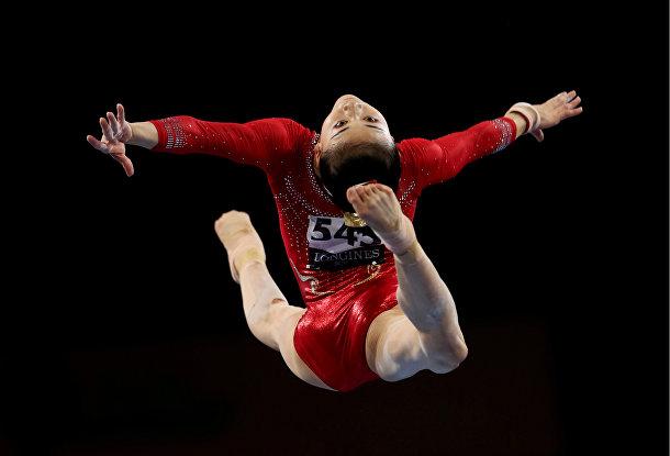 Выступление китайской гимнастки Ли Шицзя