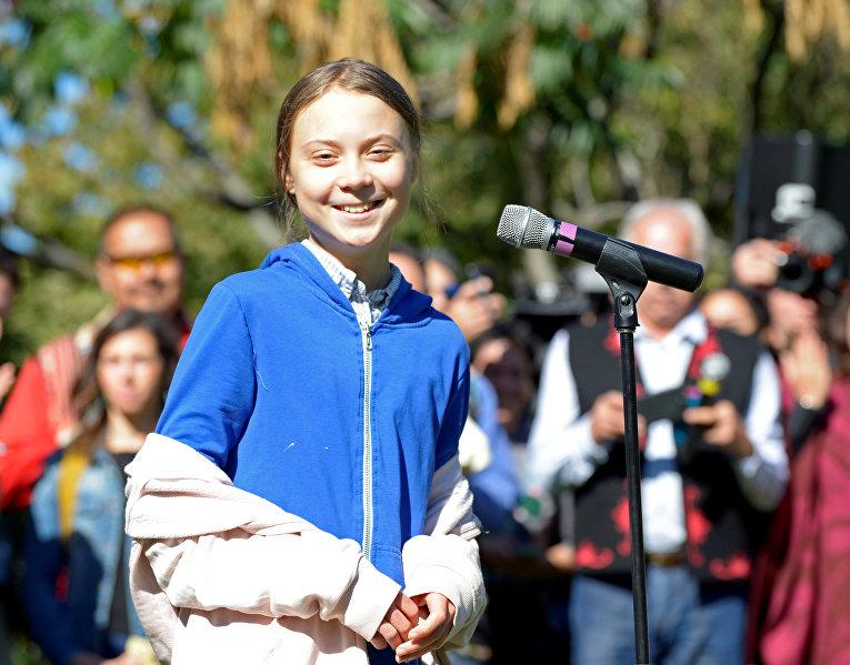Грета Тунберг выступает на акции в защиту климата в Монреале, Канада