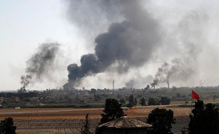 Дым над сирийским городом Тель-Абьяд