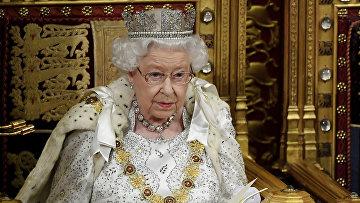 Королева Великобритании Елизавета II во время торжественного открытия парламента Великобритании