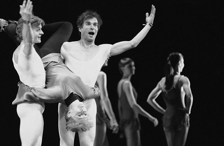 Михаил Барышников и Рудольф Нуреев во время репетиции в США
