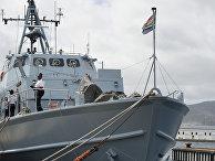 Противоминное судно ВМС ЮАР на военно-морской базе Саймонстаун