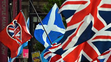 Флаги сторонников независимости Шотландии в Глазго