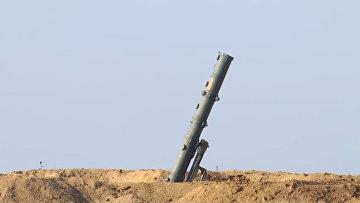 Пуски ракет расчетами ОТРК «Искандер» на учениях «Гром-2019»