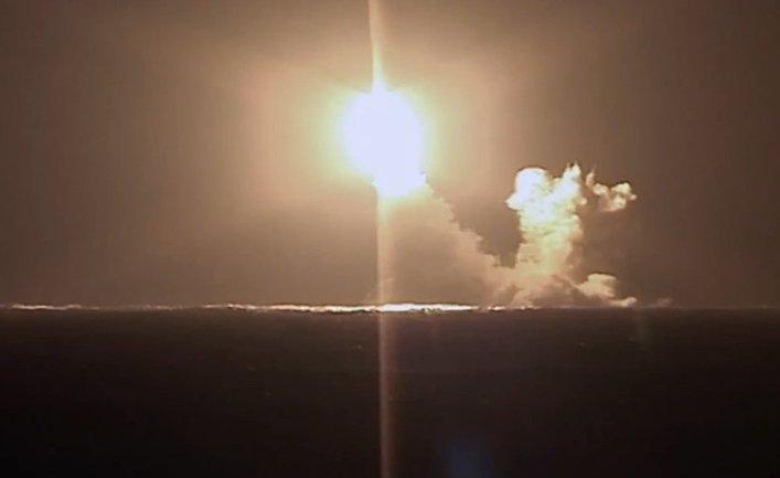 """Запуск ракеты """"Булава"""" с подводного крейсера """"Князь Владимир"""""""