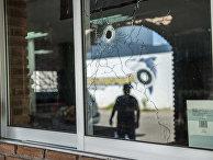Пулевое отверстие после недавней перестрелки в Кульякане, Мексика