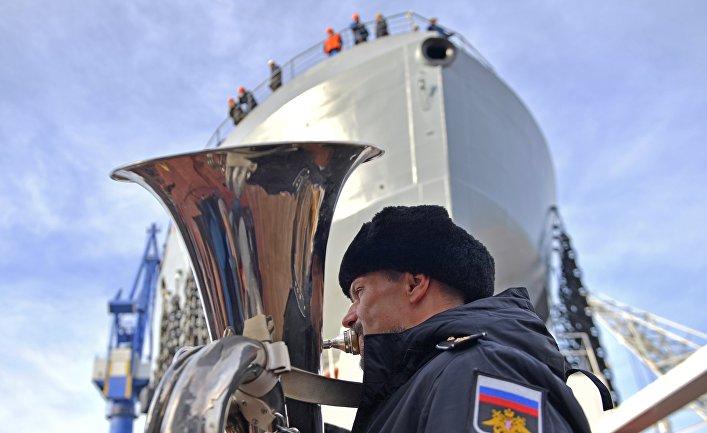 """Спуск на воду патрульного корабля """"Иван Папанин"""" в Санкт-Петербурге"""