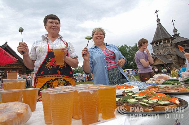 Международный праздник «День огурца» прошёл в городе Суздале