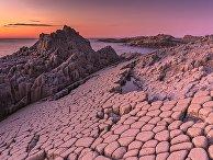 Мыс Столбчатый на острове Кунашир после заката