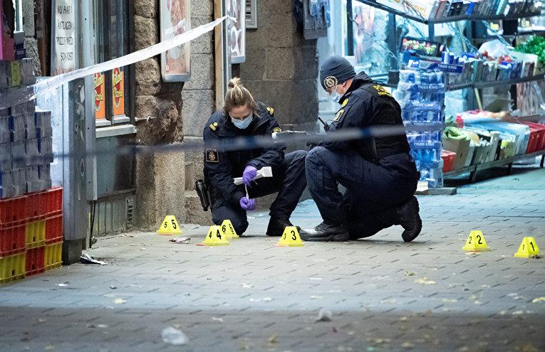 Полиция на месте, где застрелили 15-летнего подростка, Мальмё, Швеция