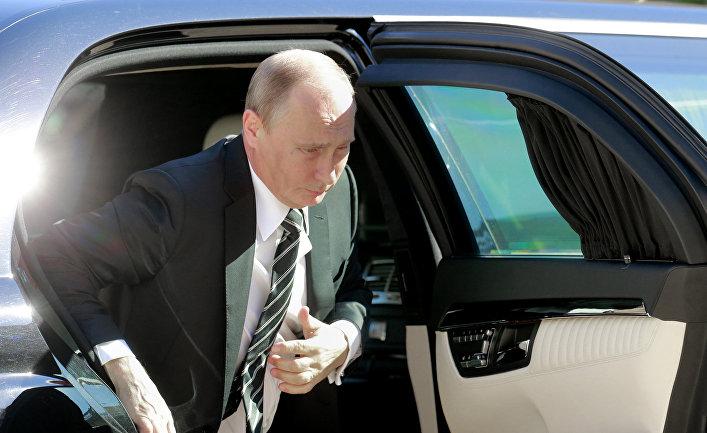 Владимир Путин перед встречей «нормандской четверки» в Париже
