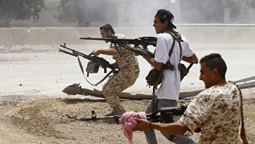 Боевики в районе Аль-Савани к югу от ливийской столицы Триполи
