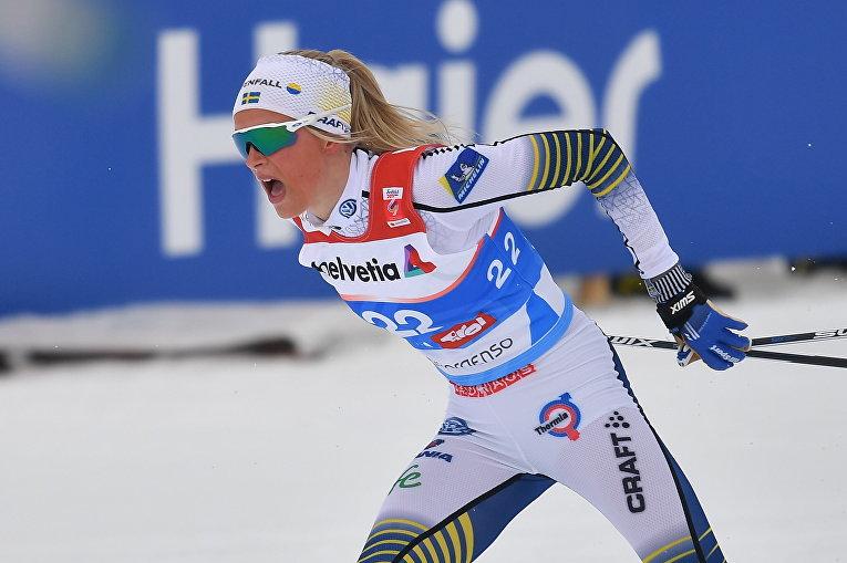 Шведская лыжница Фрида Карлссон