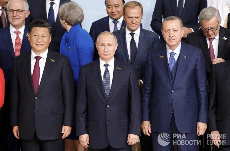 """Президент РФ В. Путин принимает участие в саммите """"Группы двадцати"""" в Гамбурге"""