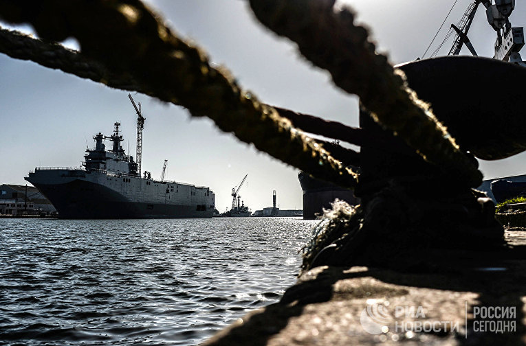 """Корабль """"Владивосток"""" класса """"Мистраль"""" в доках компании SNX France"""