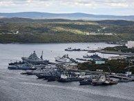Причал базы Северного флота РФ в городе Североморск Мурманской области