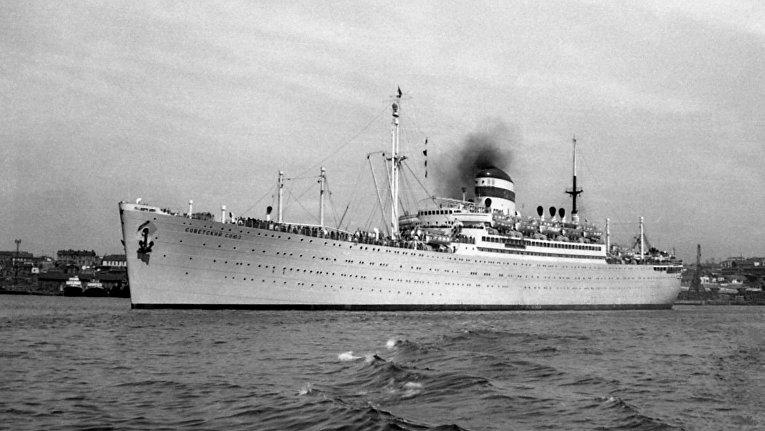 Пассажирский лайнер «Советский Союз»