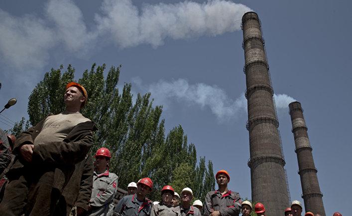 Рабочие Мариупольского металлургического комбината им. Ильича в Донецкой области, Украина